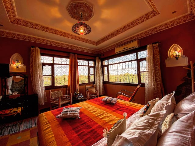 Luxury room with palm view - Riad Chay - B&B