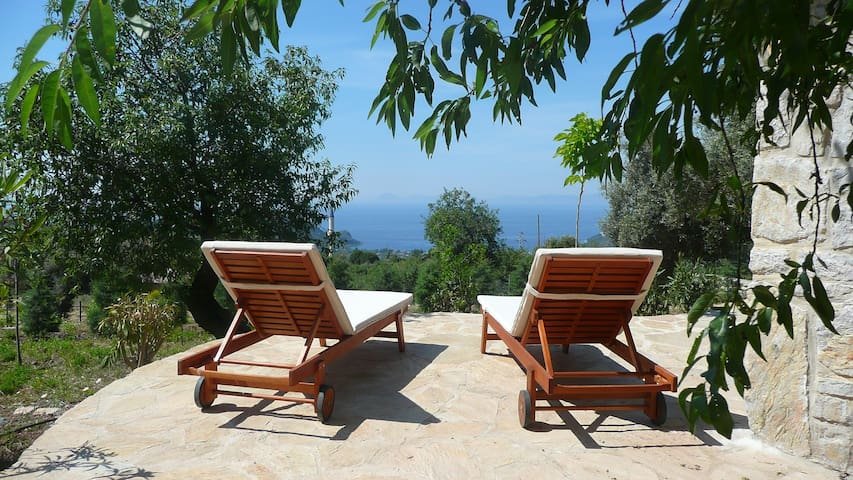 Almond Cottage in Mesudiye, Datca - shared pool - Datca, Mesudiye, Mugla - Huis