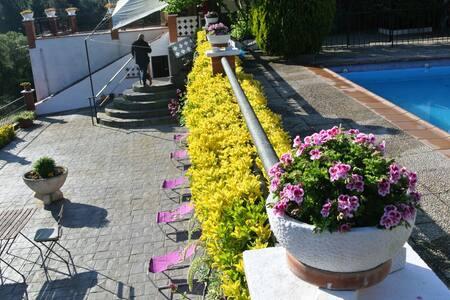 T012-Chalet con piscina para 13 pax - Riudarenes - Hus