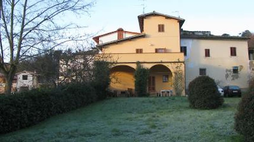 Florentine Traditional Country Home - Incisa in Val d'Arno - Hus