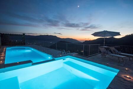 Encantadora villa, piscina ensueño vistas al mar