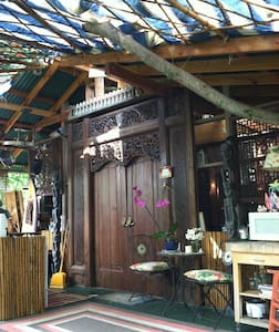 Kealakekua Bay Bali Cottage -steps from Bay - Captain Cook - Treehouse