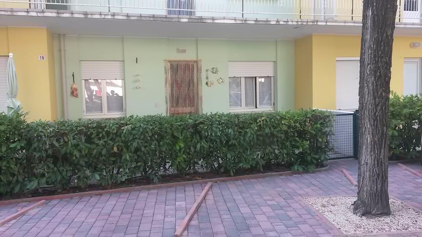Appartamento zona Darsena - Lignano Sabbiadoro - Ház