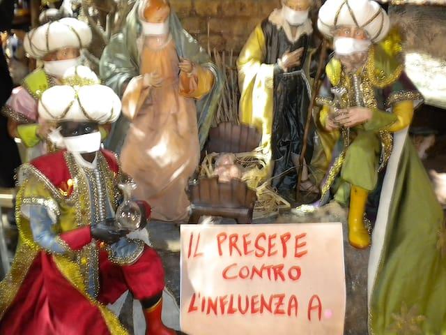 Christmas'street, San Gregorio Armeno, on the same main street called spaccanapoli.
