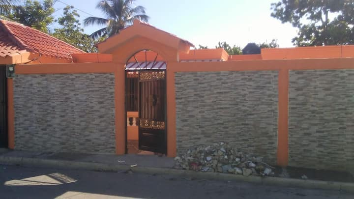 Habitación con baño completo
