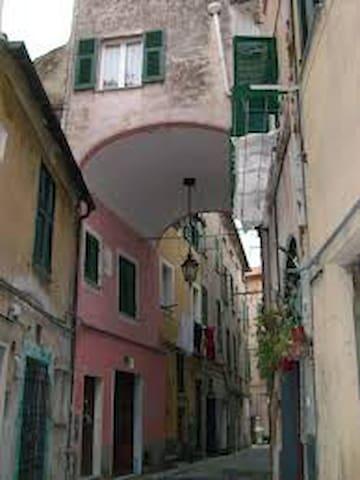 Trilocale a due passi dal mare - Albissola Marina - Apartamento