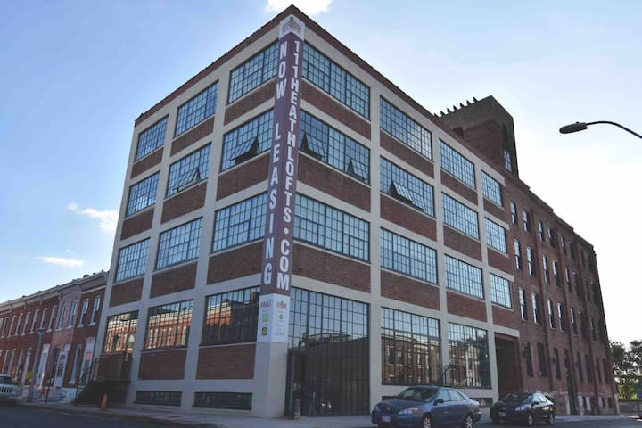 Industrial Chic Apt in Federal Hill - Free Parking