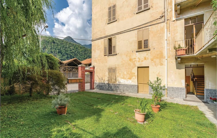 Holiday apartment with 2 bedrooms on 90m² in Varallo Sesia -VC-