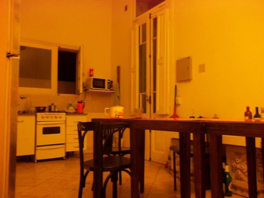 Kitchen and dinneroom independent