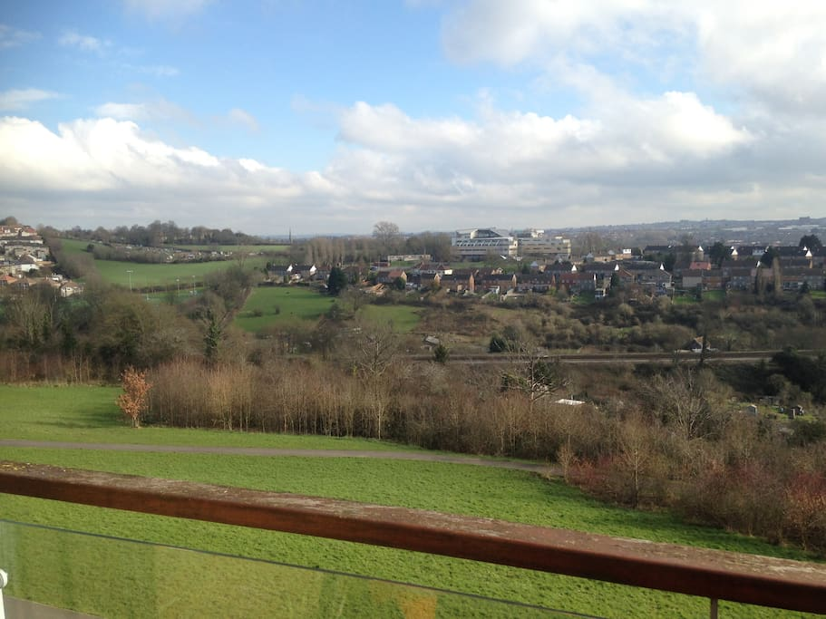 Spectacular views - In the heart of the city - yet overlooking green fields.