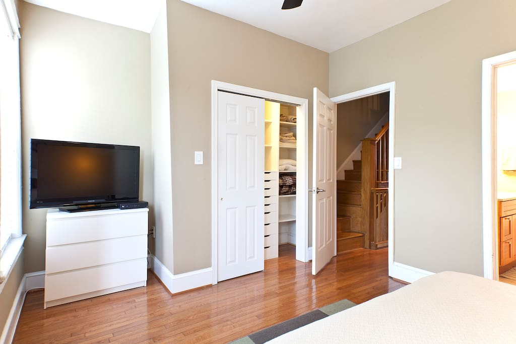 You'll have access to cable television and wifi, and your closet has plenty of room to hang clothes or store on shelves and in drawers.