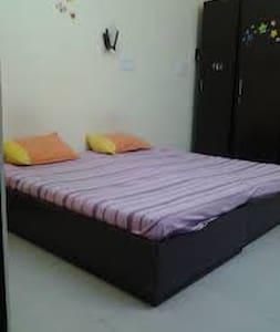 Budget Stay in Laxminagar Delhi...Youll love it.. - Nuova Delhi