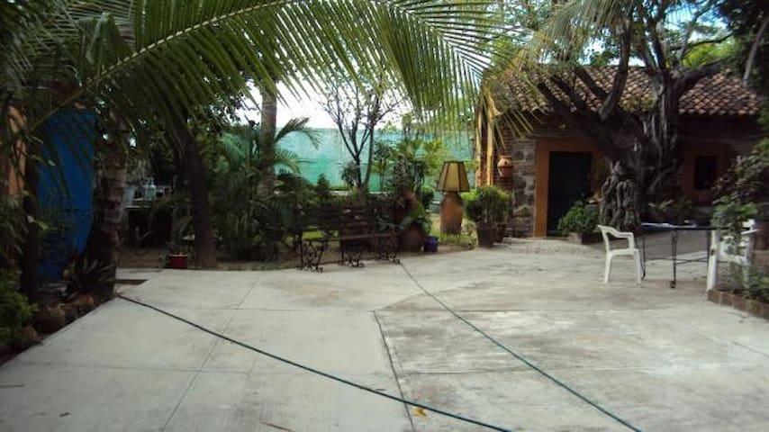 Beautiful 6 room house, Tehuantepec - San Blas Atempa - House