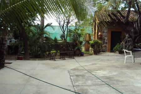 Beautiful 6 room house, Tehuantepec - San Blas Atempa