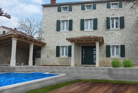NEW! Authentic Istrian House with private pool - Vrsar - Hus