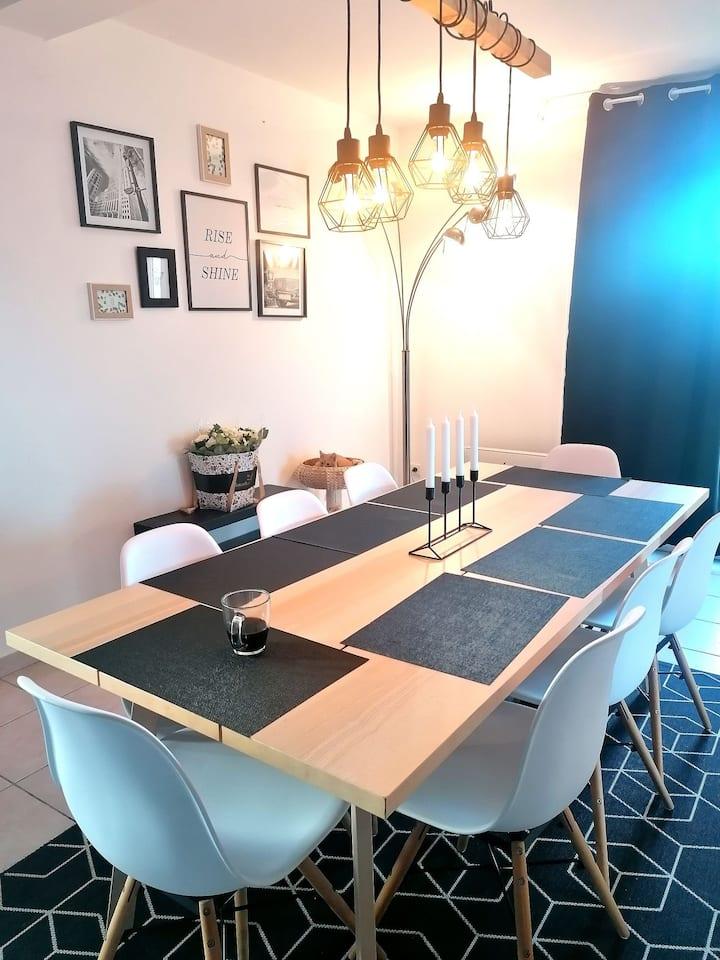 Chambre privée dans villa 4 chambres avec jaccuzi