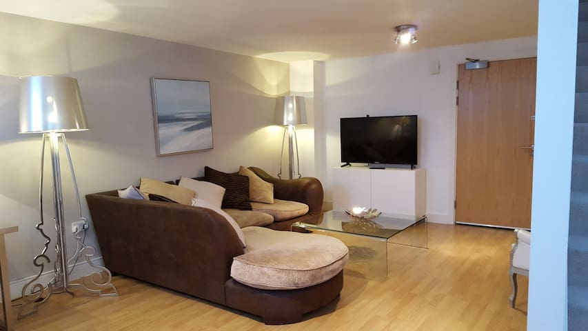 Modern & bright City centre apartment - Sunderland