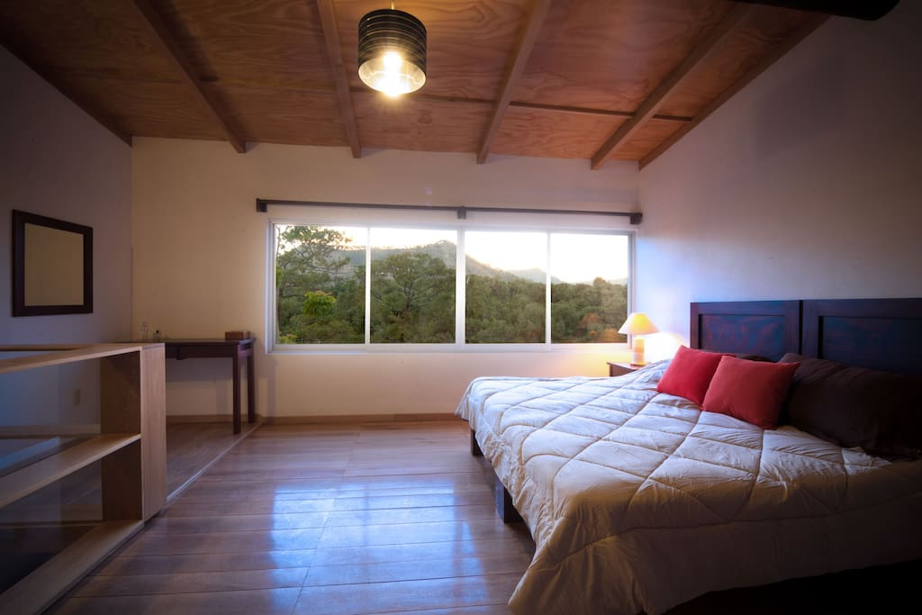 Bedroom available in twin beds or king size