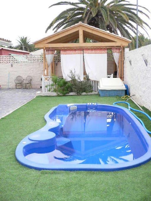 piscina y pergola