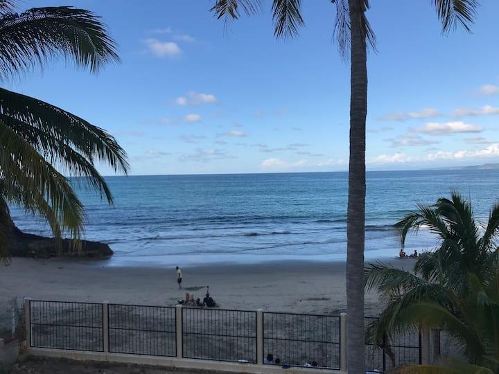 """Casita Primera"" Los Ayala Beachfront"