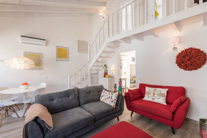 Luxury house with Patio & BBQ in Historic Centre