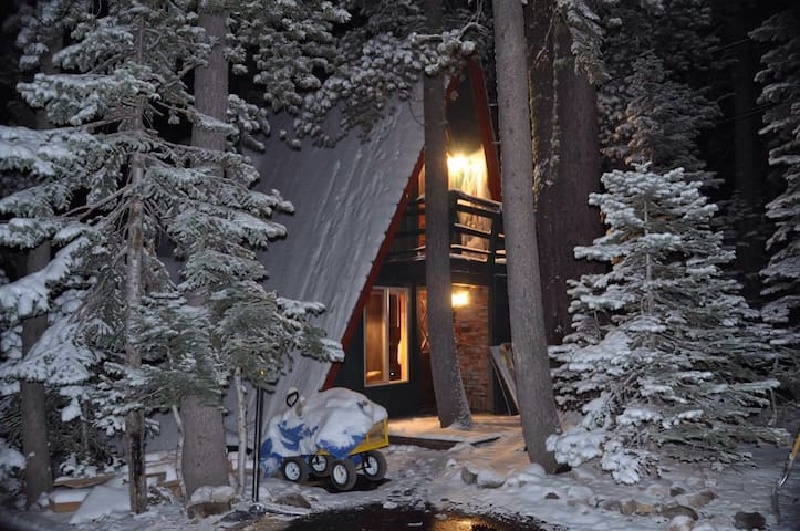 Serene Lakes Chalet  Donner Summit- - Soda Springs