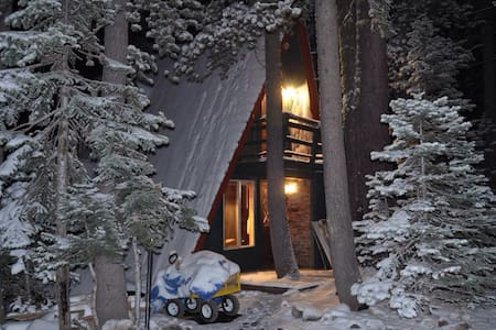 Serene Lakes Chalet  Donner Summit- - Soda Springs - Chatka
