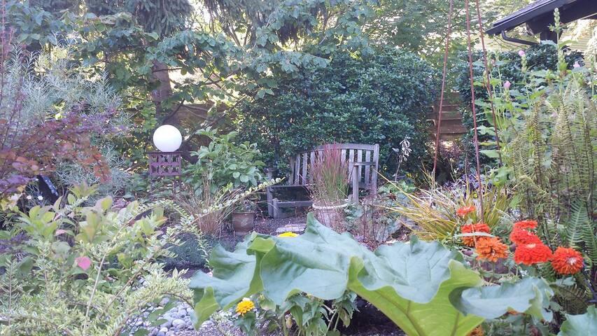 Magical garden studio - Redmond - Cabin