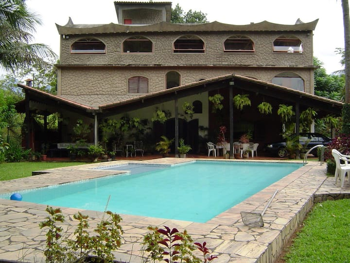 COUNTRY HOUSE -  6 Rooms
