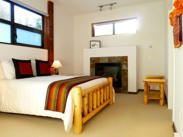 3 bedroom Condo with great Ocean View - Ucluelet - Lägenhet