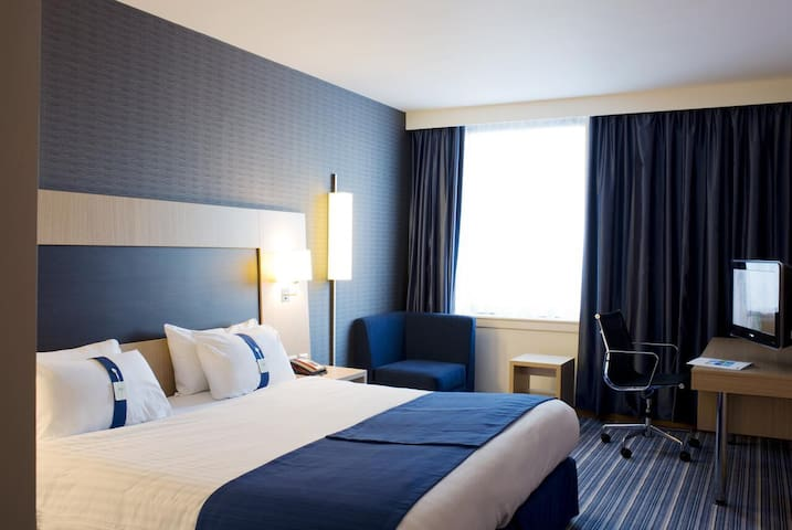 Essential Travel Only: Comfy Double With Double Bed At Rotherham