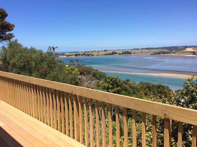 Private Guest House with Sea Views - Whangaparaoa - Apartment