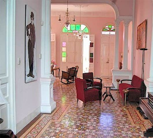 Single Room Hostal neocolonial Amanecer Cubano - Santiago de Cuba - Bed & Breakfast