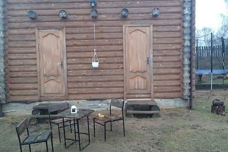 Полдома с отдельным входом - Zaslaŭje
