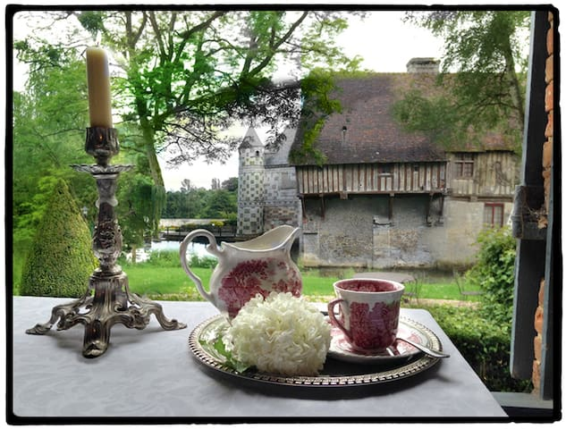 Manoir de Livet - Saint-Germain-de-Livet - Bed & Breakfast