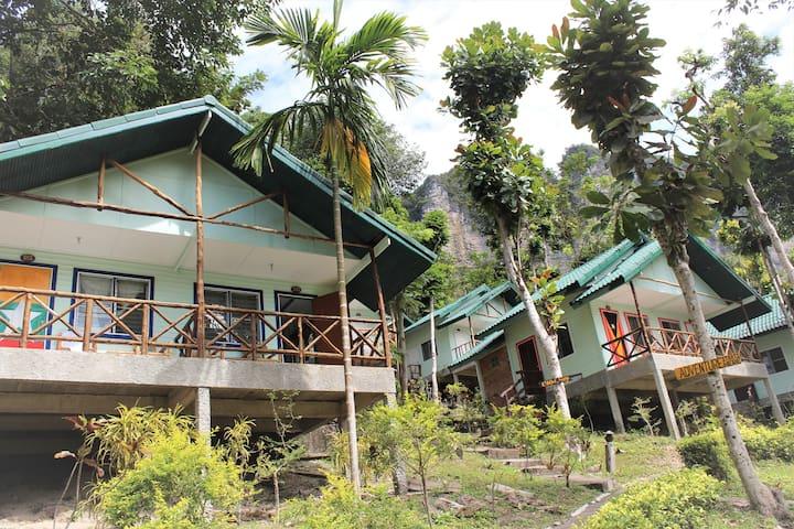 Hillside Cliffs Bungalow 1, Krabi