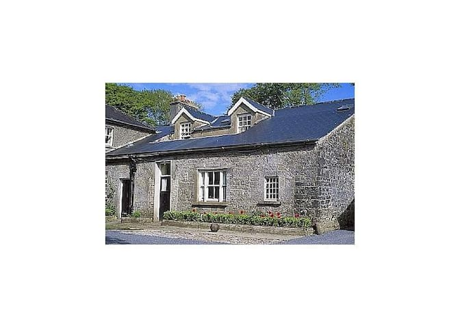 Tack Room Cottage - Gort - Dom