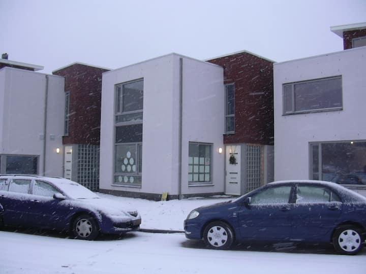 B. Room:Airport, internship, ASML, HTC (Veldhoven)