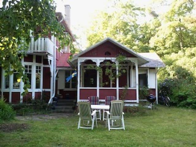 Very charming in Ystad Sandskog!  - Ystad - Hus