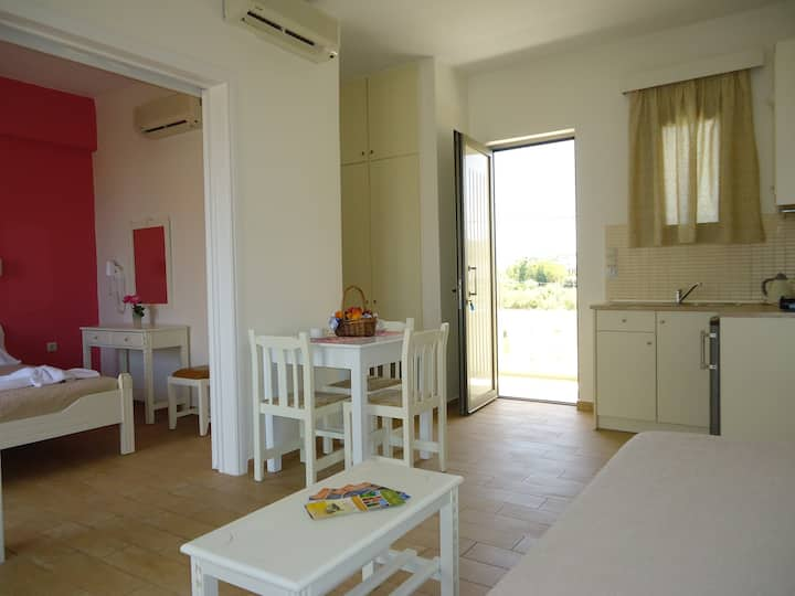 3 bed apartment-Sfakaki sea view