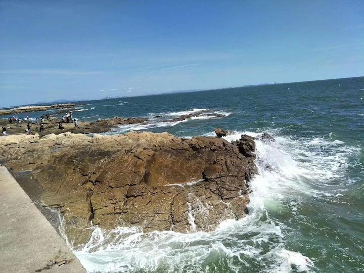 距海150米,赶海捕鱼日出东方渔家