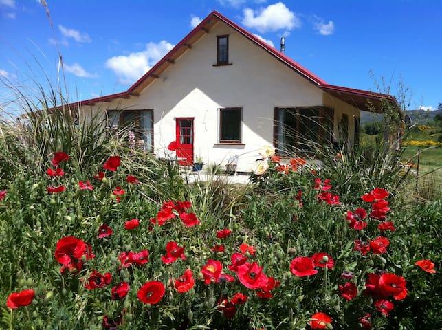The Strawbale Home, Oturehua, Central Otago