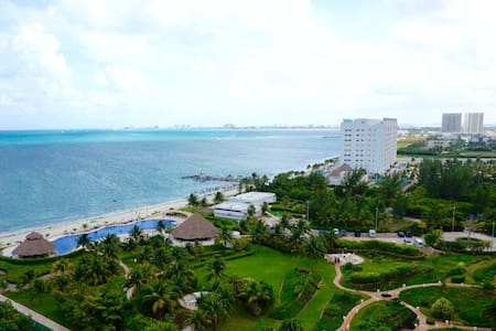 Modern Ocean View apartment with great location - Cancún