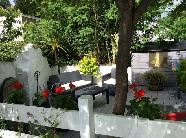 Cosy Cottage in small village. Sleeps 6 in 3 Beds