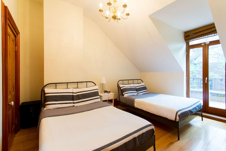Luxury Bed & Breakfast 30 : Private Room, 2 Double Beds #5