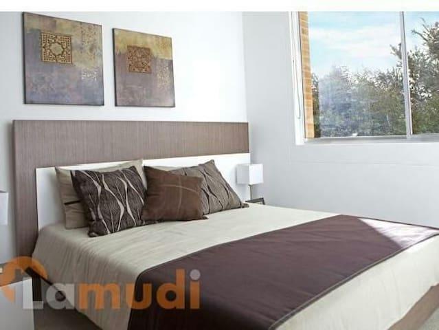 Habitaci n independiente appartementen te huur in for Cuarto independiente