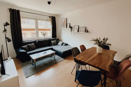 ► attractive 3 room apartment • downtown & station