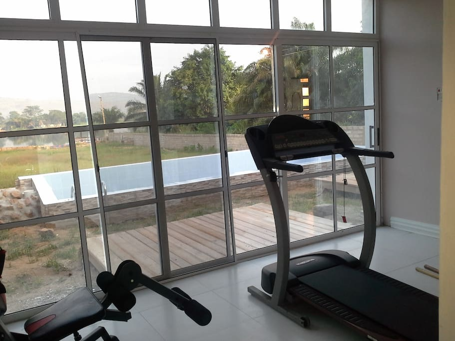 gym to keep fit, enjoy lake view and pool view whilst you work out