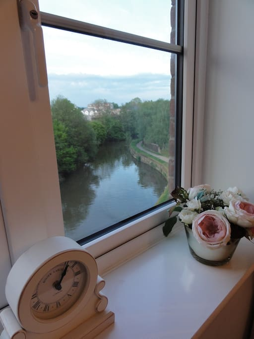 Tranquil and charming views of the River Medway from every room.
