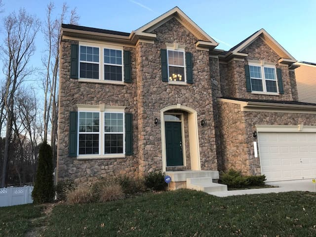 5bd/3.5ba, Close to Everything & Great for Groups!
